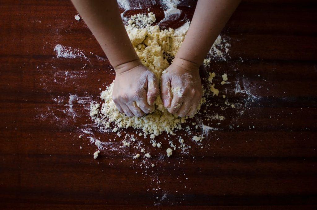 Ne portez pas de bijoux pendant la cuisson ou la cuisson