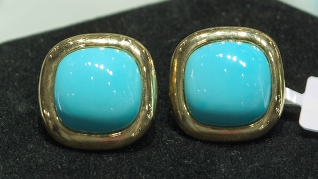 Turquoise cuff links in 18K gold